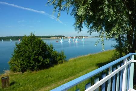 vakantiechalet aan groot meer - Éclaron-Braucourt-Sainte-Livière - キャビン
