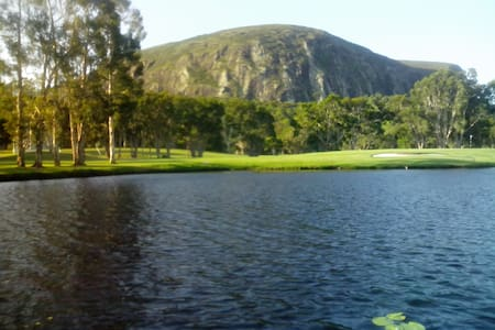 Golf Course Studio Apartment - Mount Coolum