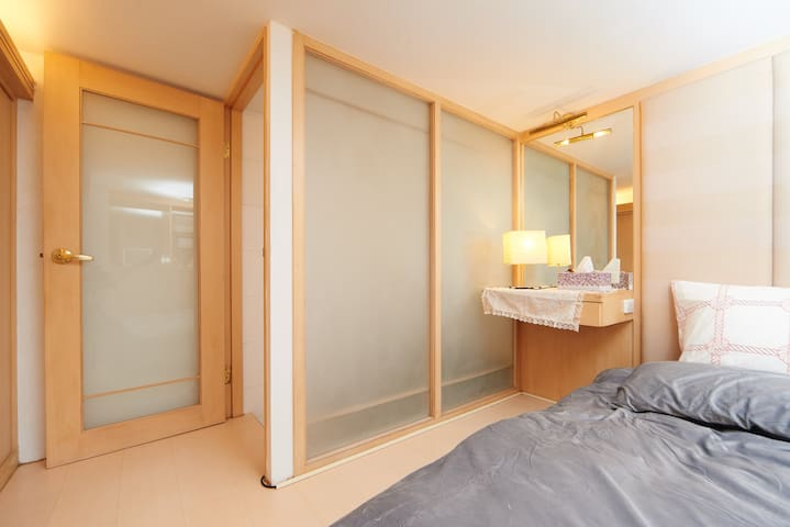 舒服又明亮的房間