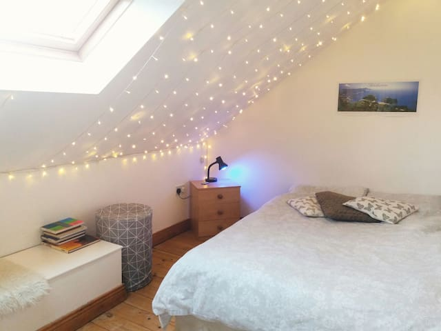 Bright Private Room Close To City Centre - Newcastle upon Tyne - Huoneisto