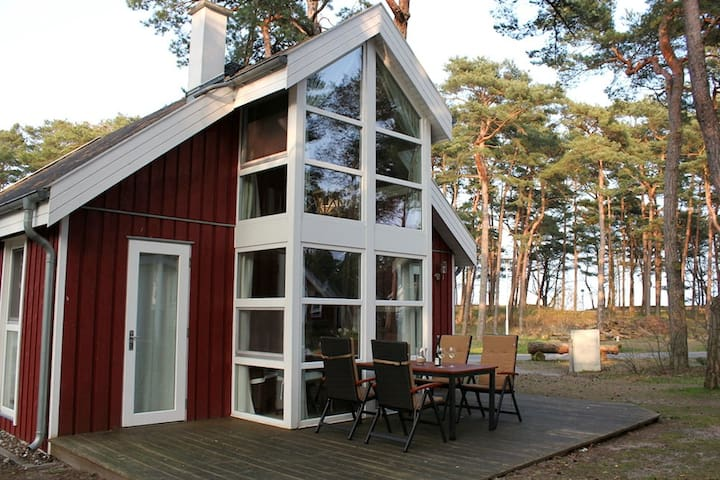 Dream Cottage directly on the Beach - Baabe - Huis