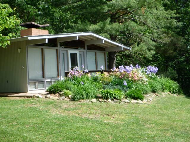 Bella Vista cottage near Shenandoah River-Luray VA