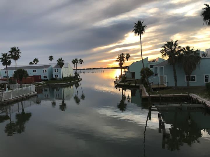 Vista Del Rey — A special getaway at Key Allegro