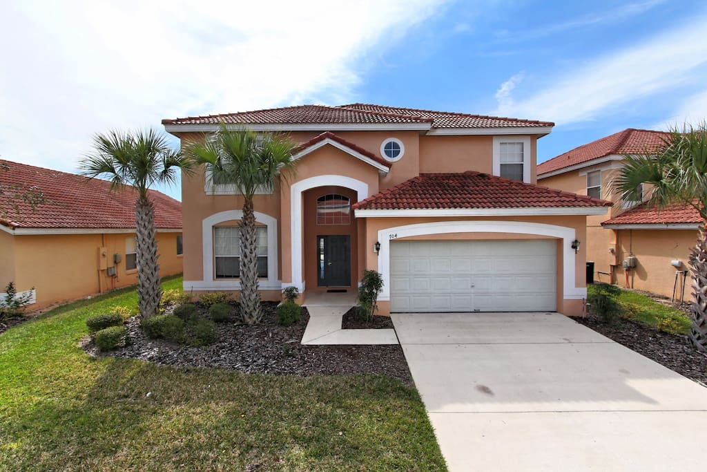 This vacation home is located on Solana resort and is an easy trip to the theme parks of Orlando. With a spa, pool extended deck and games room, together with elegant decor and furnishings, this home will be your family's favorite.