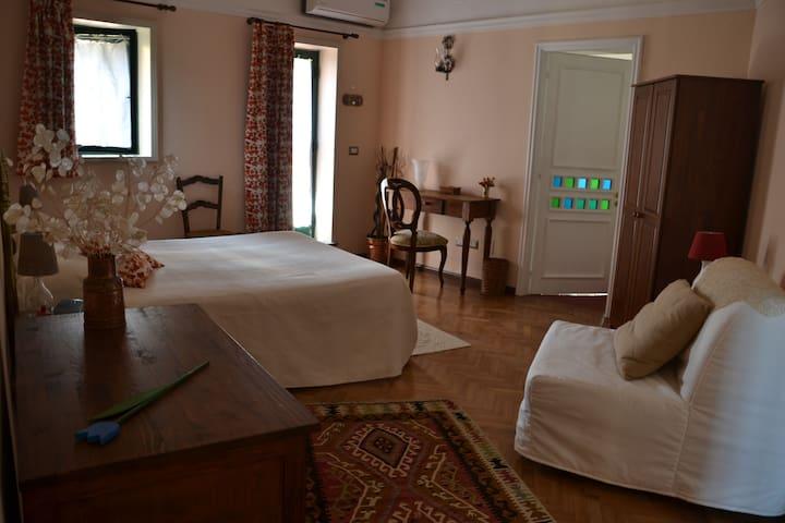 Charming room in B&B - Viagrande - Bed & Breakfast