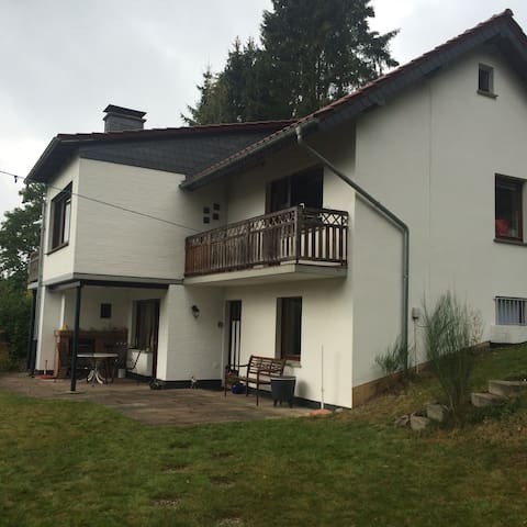Uniek gelegen woning in bos, vlak bij de Diemelsee
