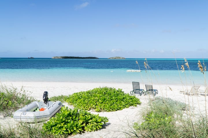 """Sea Blue"" - a beachfront paradise"
