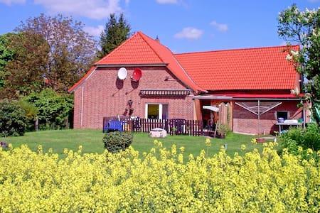 Gästezimmer mit Doppelbett - Neustadt am Rübenberge