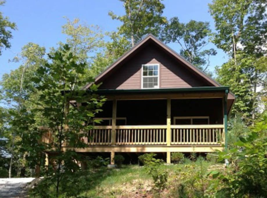 Wolf creek lake oakview cabin cabins for rent in for 8 bedroom cabins in north carolina