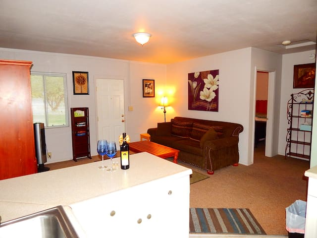 "~ ""Riverhaus"" COLOMA RIVERFRONT COTTAGE #6 ~ - Coloma"
