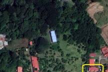 La propiedad colinda con un Parque Ecológico donde se puede apreciar un bosque y un afloramiento de agua que nutre de vida el distrito de Belén