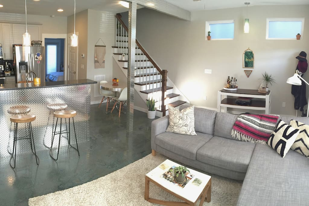 Dreamy new modern master suite houses for rent in for New modern homes nashville tn
