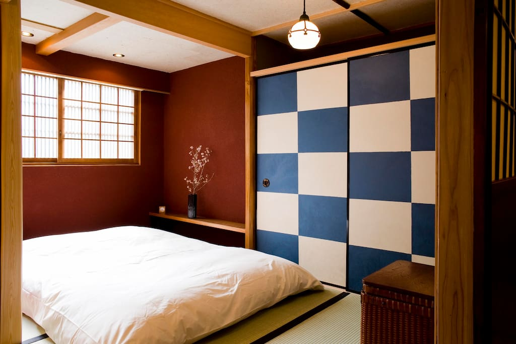 Tatami bedroom, with double-sized futon.