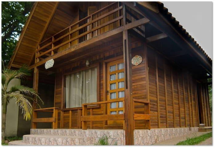 Chalé Aconchegante na Av. Principal de Monte Verde - Monte Verde - Haus