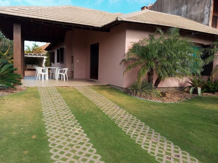 Casa ampla segura e confortável centro Tramandaí
