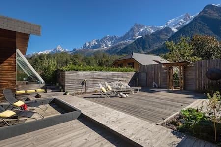 Appartements maisons et villas avec piscine les houches for Piscine 5x3