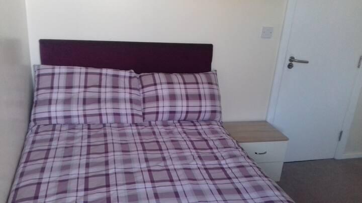 Shaftesbury Hotel single / double bedroom room 6
