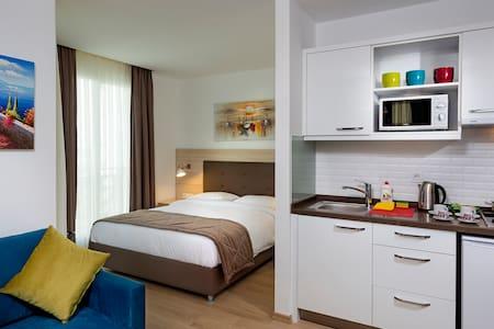 The Room Hotel&Apartments 5 - อันตัลยา - ที่พักพร้อมอาหารเช้า