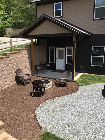 Covered Porch and Firepit Area