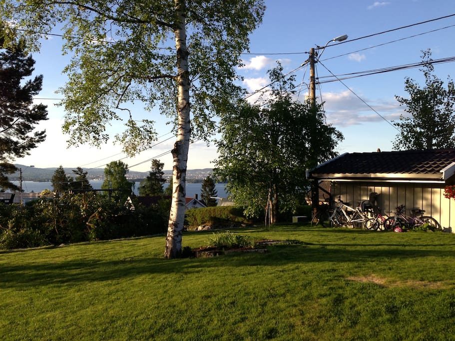 Garden with a view over the fjord and Oslo