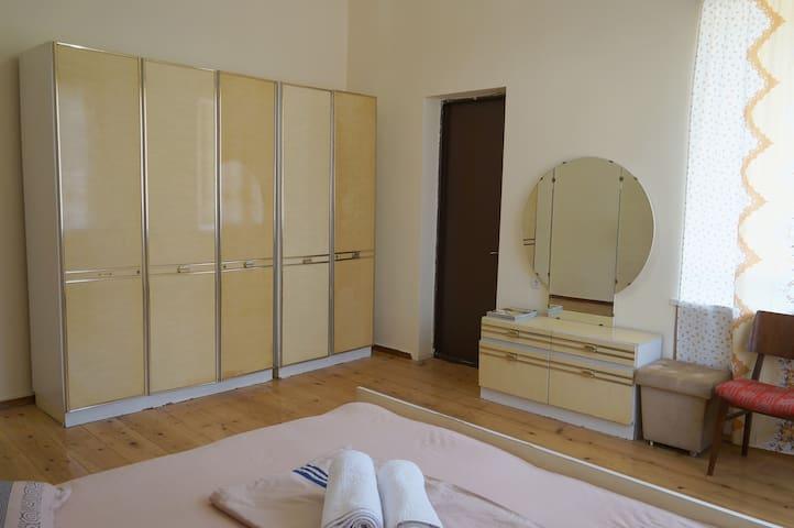 Cozy Room in Kutaisi centre 38