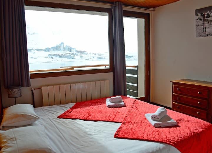 Chambre double-rez de lac-vue sur le lac de Tignes