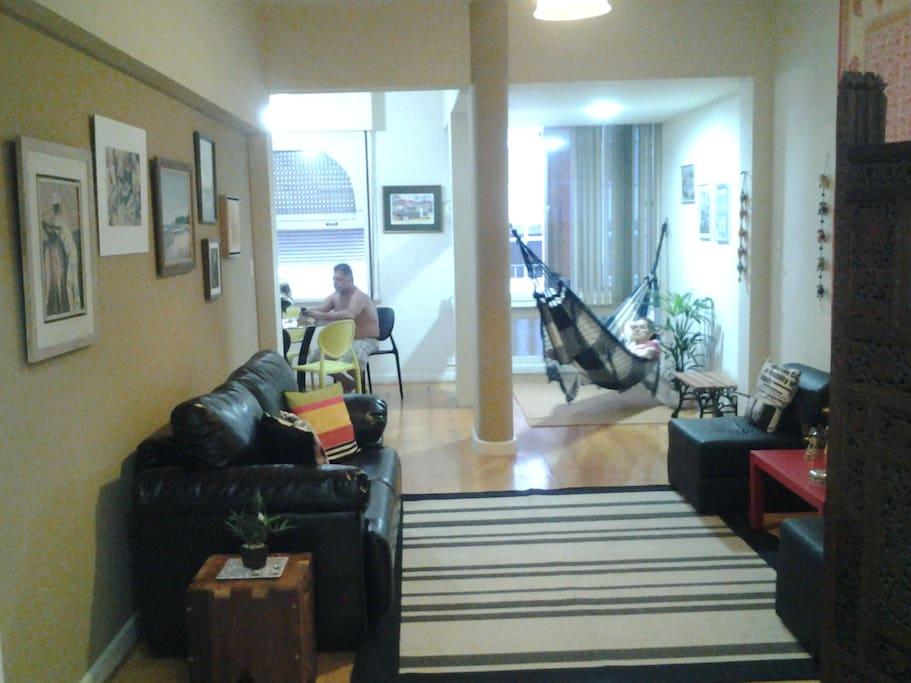Sala de estar Sofá que pode virar cama de casal
