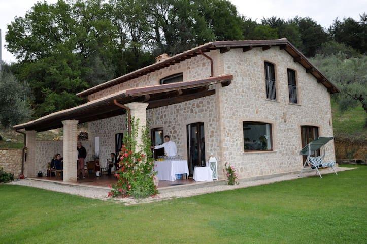 Un angolo di paradiso nella Sabina - Farfa - Villa