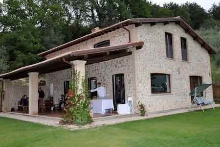 Un angolo di paradiso nella Sabina - Farfa - Vila