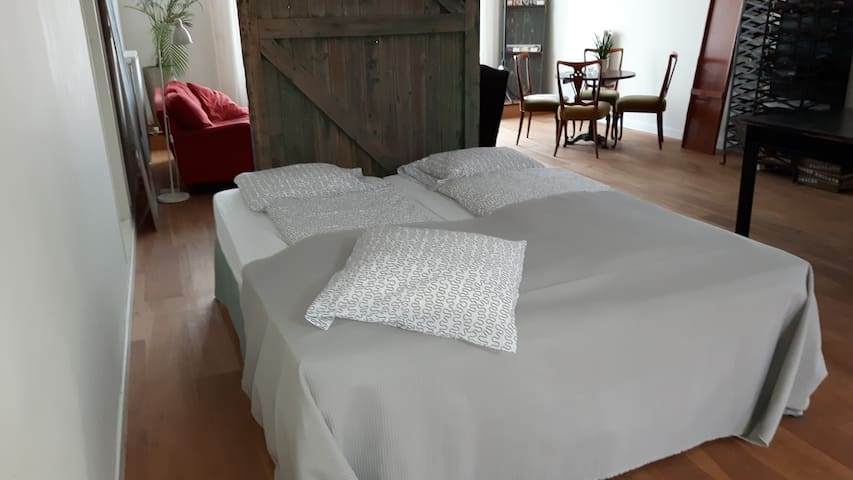 2-persoons bed