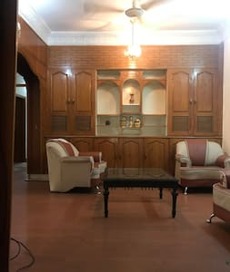 Room for rent in F10