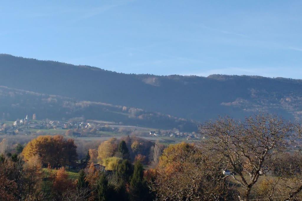 vue sur le massif de l'Epine depuis la chambre 1