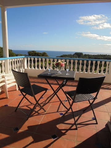 Beautiful apartment and views! - Calibishie - Apartamento