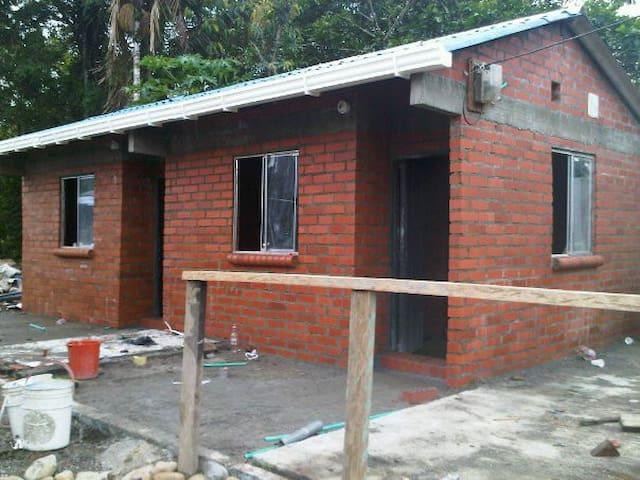 BEACH HOUSE IN LADRILLEROS - Buenaventura - Cabin
