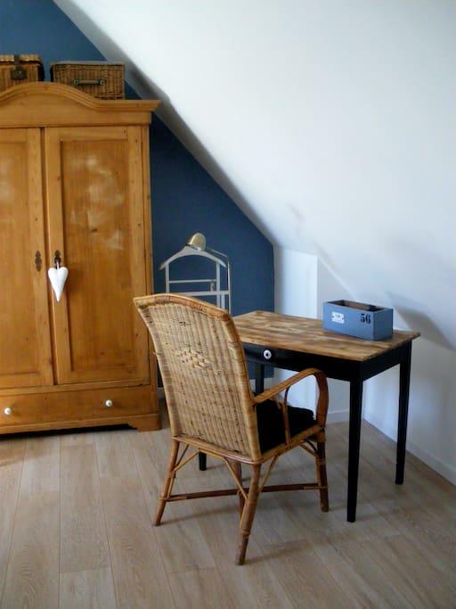 ch chez particulier avec petit dej maisons louer surzur bretagne france. Black Bedroom Furniture Sets. Home Design Ideas