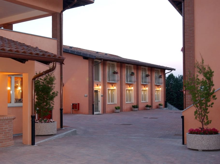 Cortile interno dell'hotel - Hotel inner yard