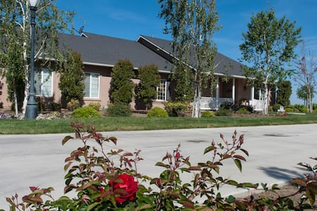 Hernandez Ranch - House