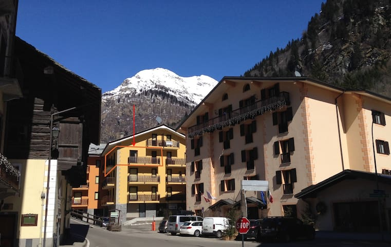 Gorgeous large 2 bedroom apartment - Alagna Valsesia - 公寓