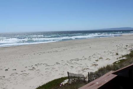 OCEAN FRONT  & ON BEACH(H72) - Watsonville - Huis