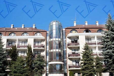 Hostels Zivojin Culum & Car Lazar 4
