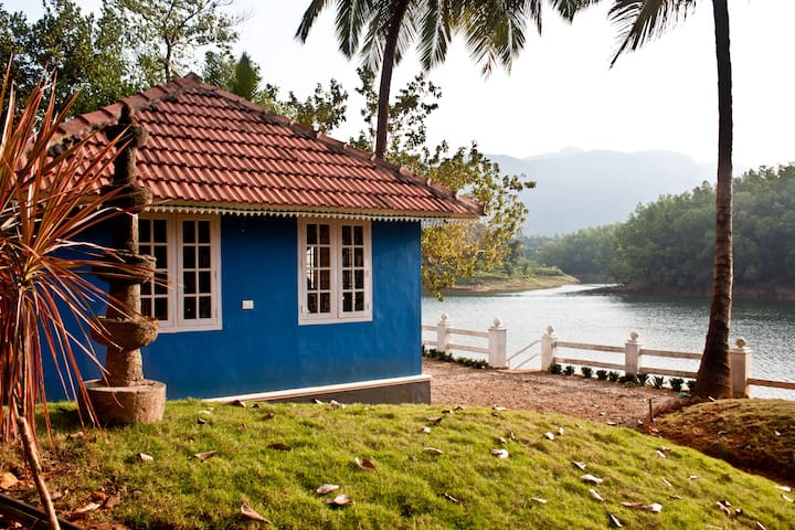 Aquarius Cottage