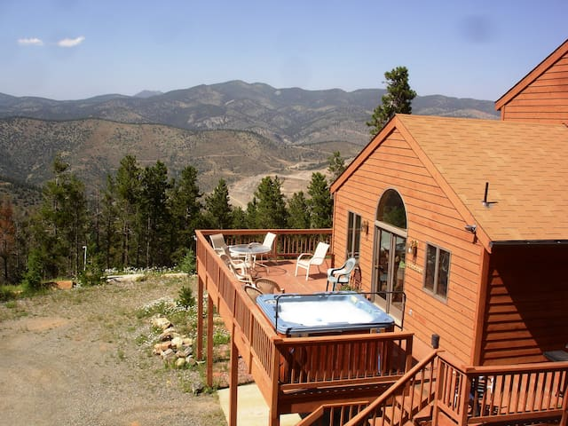It's Time To Enjoy the Rockies! - Evergreen - House