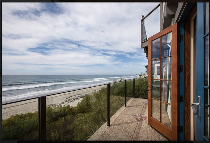 Forty feet from Pacific Ocean - Oceanside - Apartemen