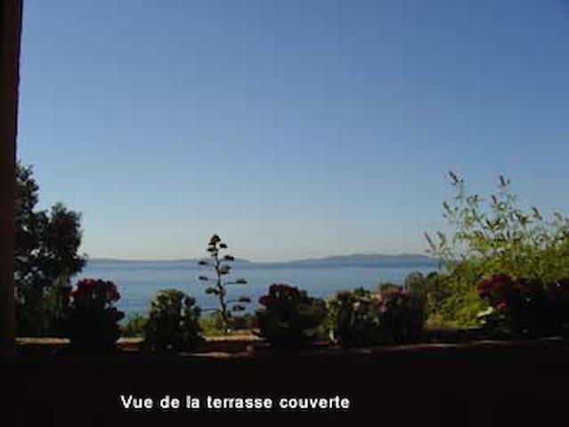 Belle villa vue mer proximité plage - Le Lavandou - Huis