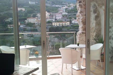 Le Perle d'Italia - Porto Fino - Ravello - Bed & Breakfast