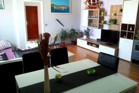 Private Apartments in SLATINE-CIOVO - Slatine - Leilighet
