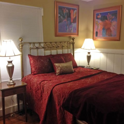 The Bedroom has it's own TV, and very comfortable bed - according to the guests that have used it.