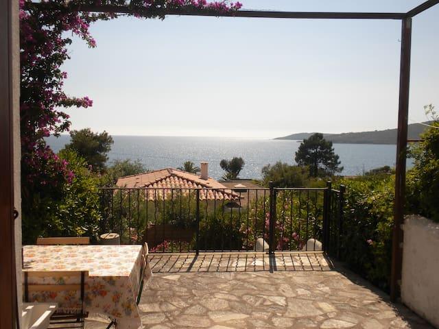 villa mitoyenne- 100m de la mer - Coggia - Rumah
