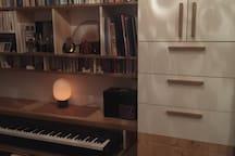 studio calme proche Champs Elysées