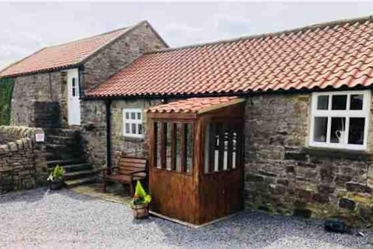 Front View of Sandy Carr Holiday Cottage